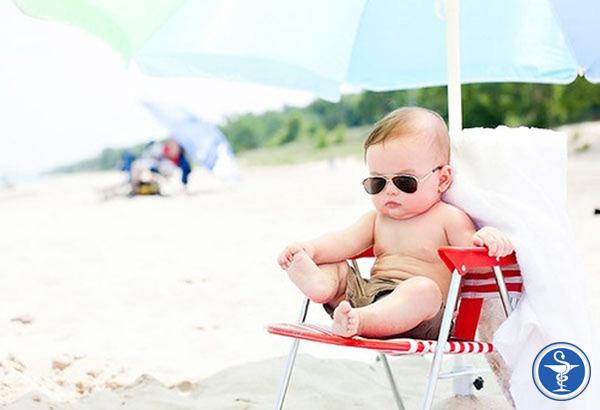 Những lợi ích và tác hại của việc tắm nắng bạn cần biết