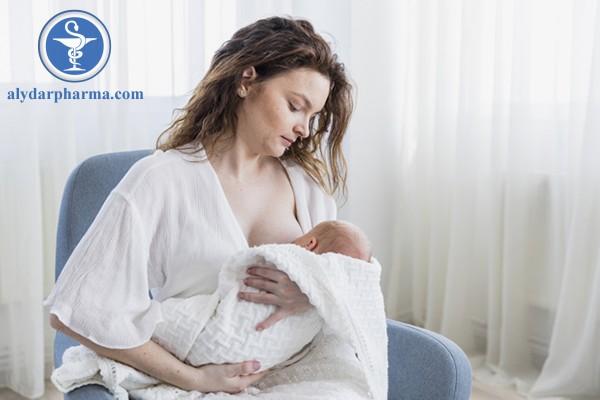 Cẩn trọng không cho bé bú khi mẹ đang dùng thuốc