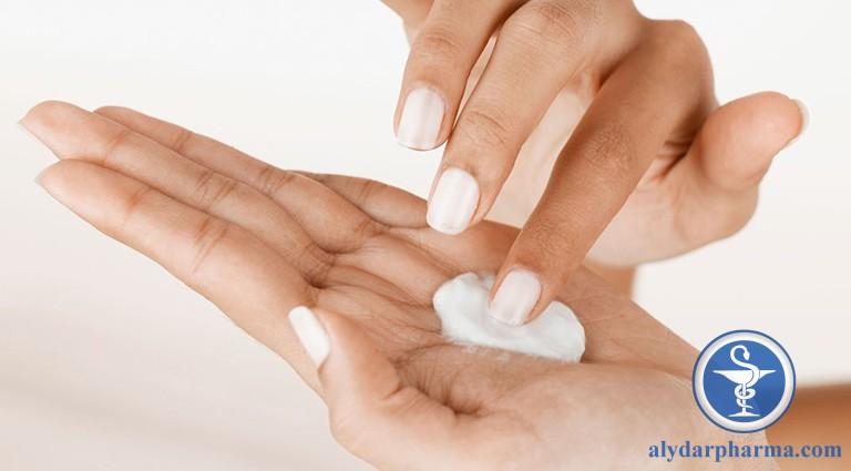 Điều trị bệnh giời leo chủ yếu sử dụng kem và thuốc bôi ngoài
